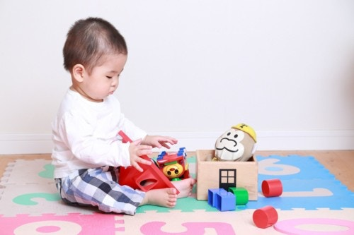 遊ぶ 赤ちゃん 日本