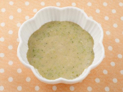 豆乳とブロッコリーのおかゆ