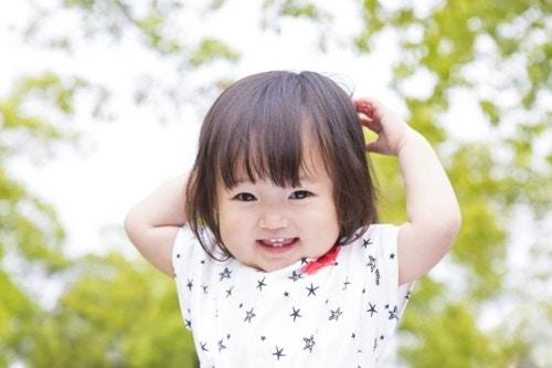 赤ちゃん 笑顔 夏