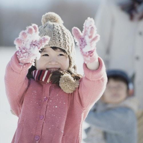 女の子 雪