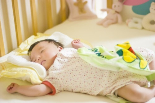 赤ちゃん 眠る