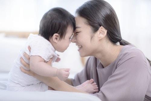 ママ  赤ちゃん 愛