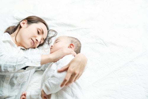 ママ  赤ちゃん 愛情