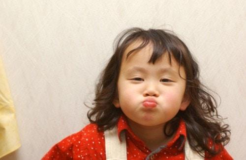 女の子 元気 日本