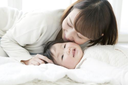 ママ 笑顔 日本 赤ちゃん