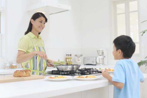 キッチン 息子