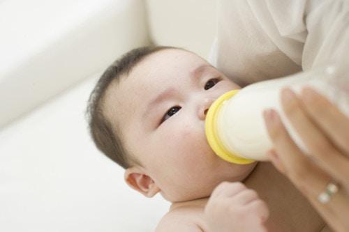 赤ちゃんと外出!ミルクの哺乳瓶の持ち運びと安心 …