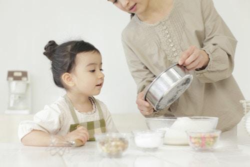 ママ 子供 お菓子作り