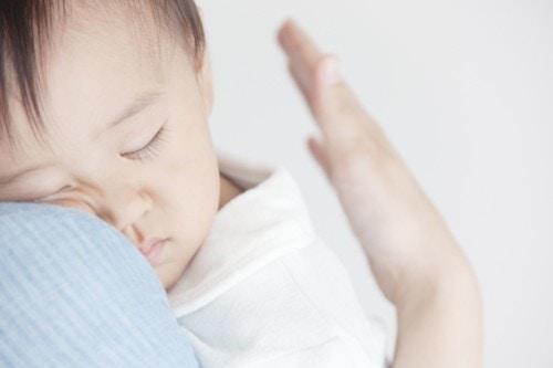 赤ちゃん 抱っこ 睡眠