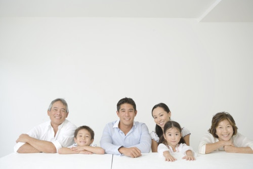 家族 笑顔 日本人 おじいちゃん